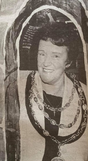 OPEN: The Mayor Councillor Mary Irwin opening the Funky Art Gallery at Forum 28 in 1998