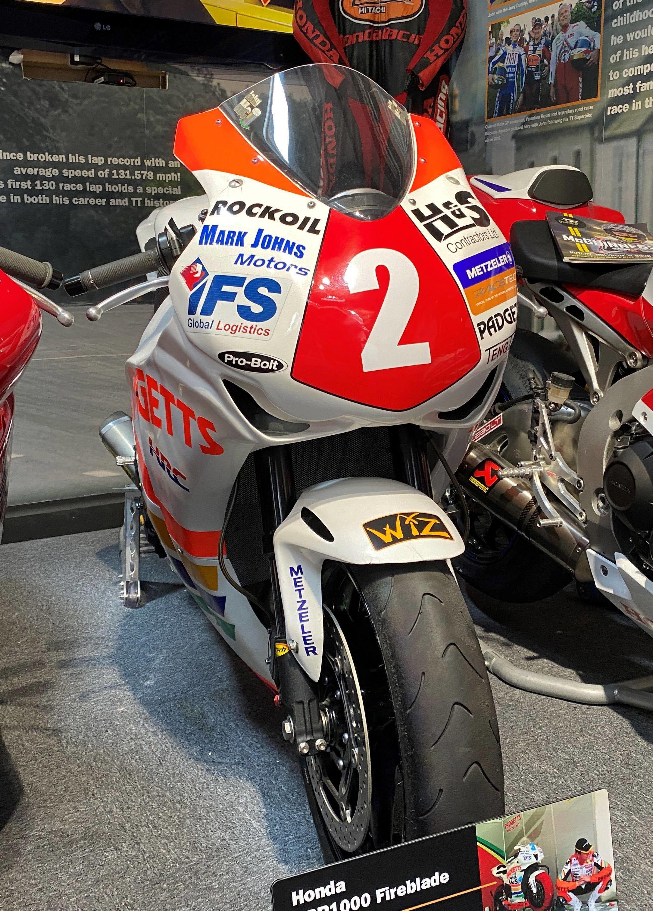 BIKE: Honda CBR1000 Fireblade