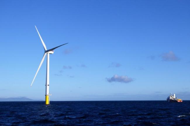 The first turbines of Dong Energy's Walney Extension Offshore Wind Farm are now sending power to the National Grid.