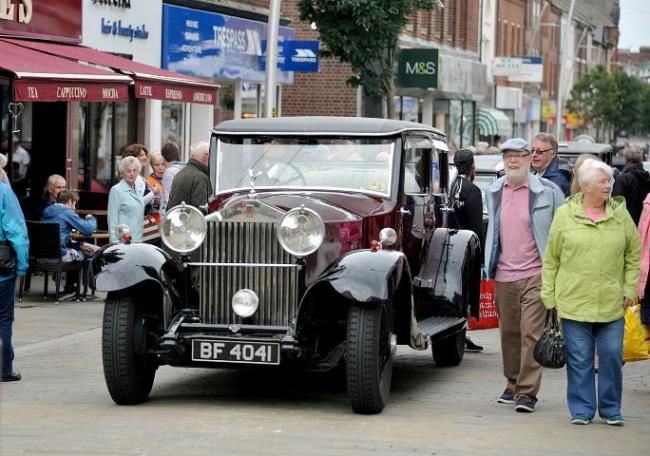 Barrow Takes A Trip Down Memory Lane With Classic Motors The Mail - Classic car motors