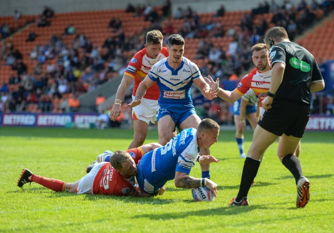 Touchdown: Jamie Dallimore scores for Barrow Raiders against Sheffield Eagles Richard Land
