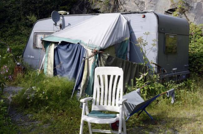 Man living in a caravan near abandoned quarry for FIVE years