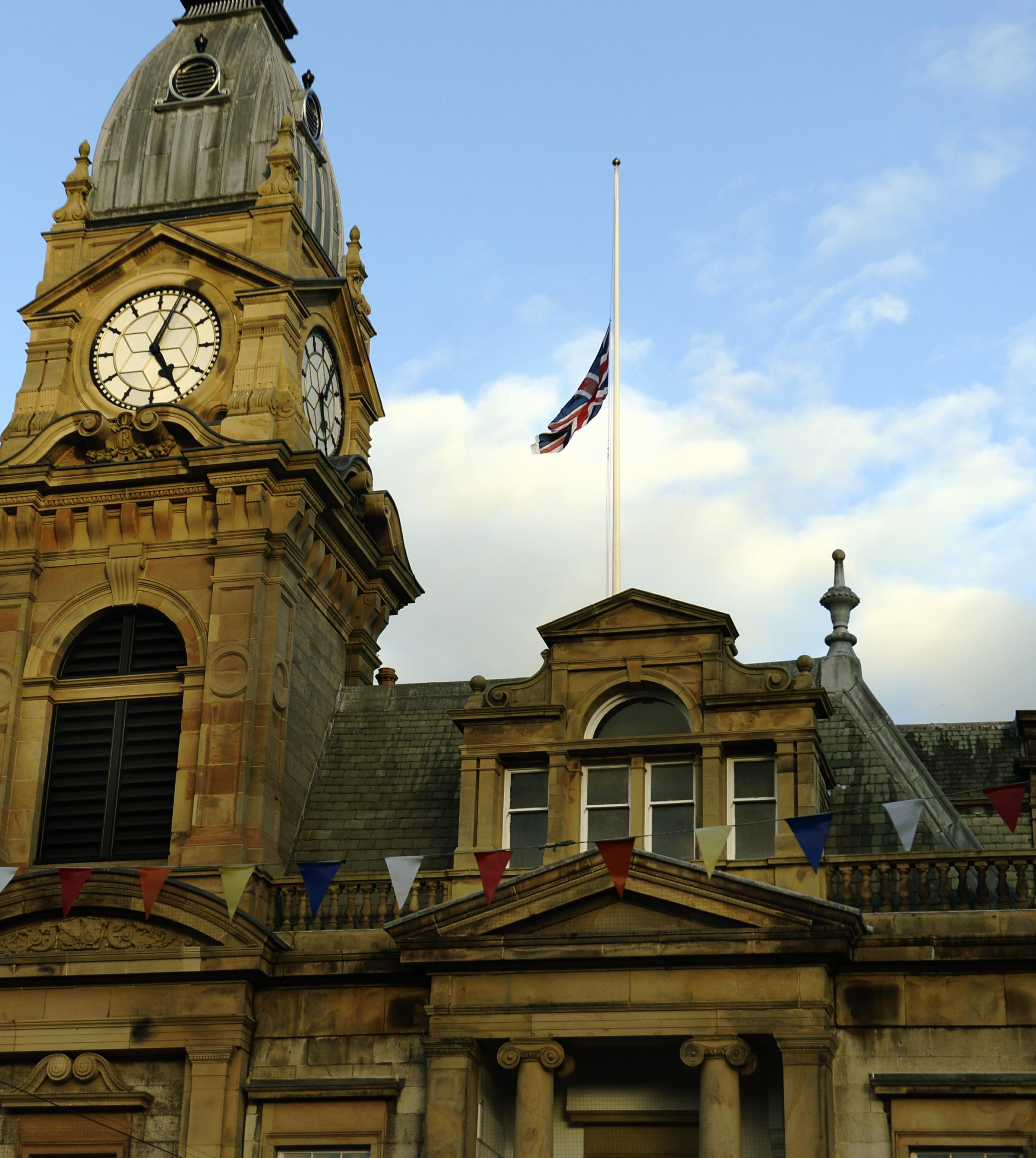 Kendal town hall flag at half-mast for deputy leader of Cumbria County Council Ian Stewart, who died at  his Sandside home, this week...23/10/2018..JON GRANGER.