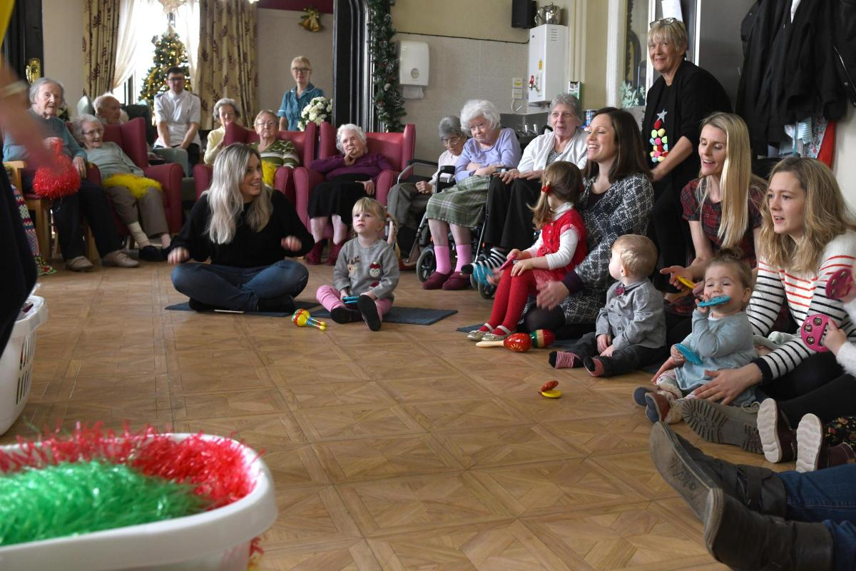 Play Christmas Music.Toddlers Visit Nursing Home Residents To Play Christmas