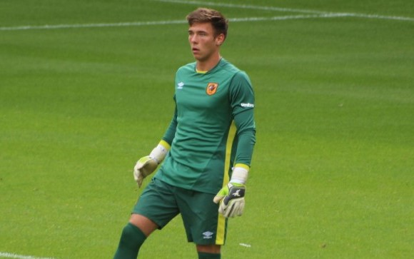 Goalkeeper Saltmer joins Barrow AFC for rest of the season