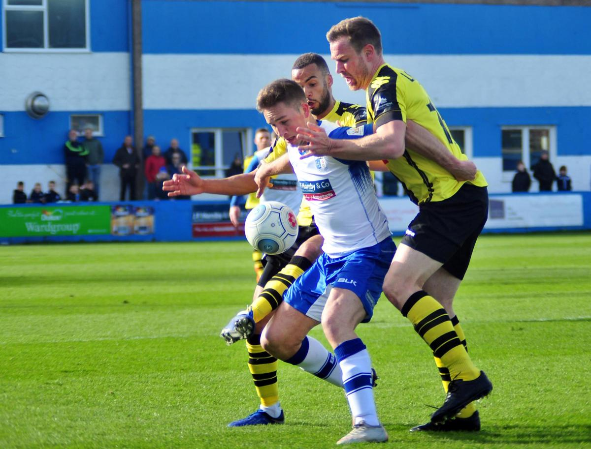 Harrogate comeback stalls Barrow's win bid   The Mail