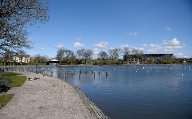 SUNNY WEATHER --- Pretty view of Barrow Park Thursday 5th April 2018 LINDSEY DICKINGS..