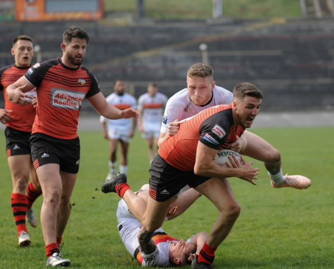Shane Toal scores for Barrow Raiders at Bradford Bulls