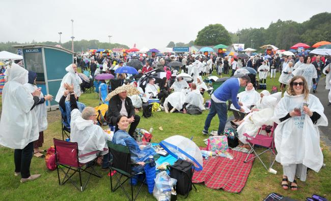 Cartmel racegoers enjoy their picnics, whatever the weather                 Picture: Donna Clifford